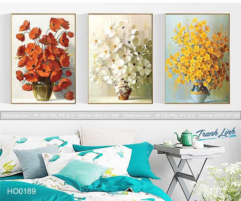 Bức tranh hoa cúc với 3 gam màu phù hợp cho phòng ngủ