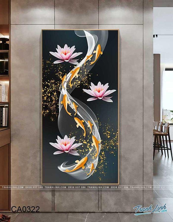 Bức tranh tái hiện hình ảnh đàn cá bơi ngược dòng vượt Vũ Môn, điểm xuyết thêm những bông sen trắng và ánh trăng vàng. Khi ngắm tranh, bạn sẽ như được chìm đắm vào một buổi đêm lung linh, huyền ảo giúp tâm tịnh và thanh thản.