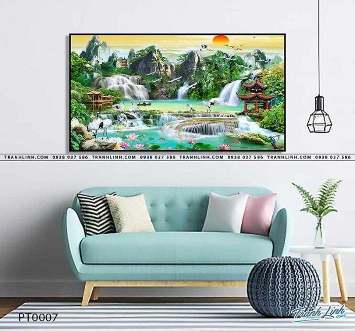 Treo tranh sơn thủy hữu tình ở phòng khách
