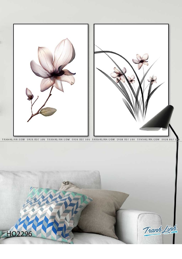 Tranh hoa lan thanh thoát, nét vẽ đơn giản mà toát lên sự mềm mại, dịu dàng của bông loa lan nhỏ