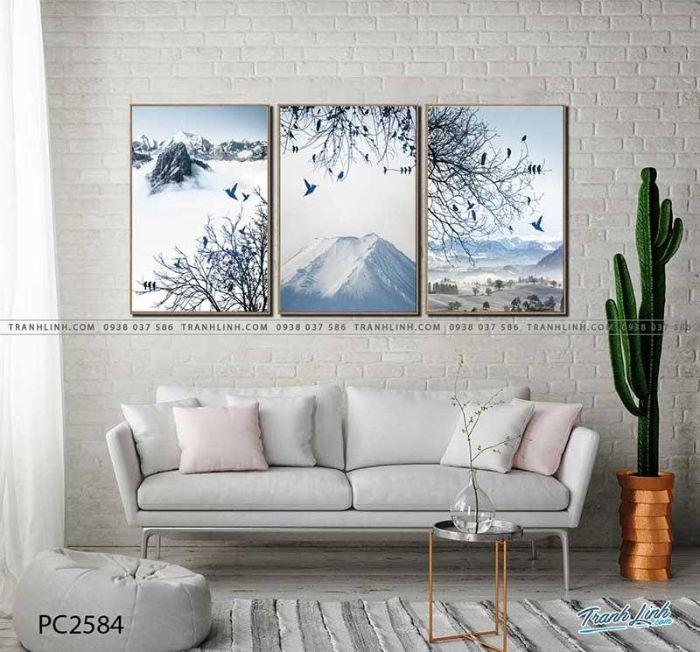 Bộ ba bức tranh lột tả khung cảnh đỉnh núi cao phủ đầy tuyết trắng. Với ngụ ý ngọn núi cao là đỉnh tri thức, đỉnh thành công, bức tranh không chỉ đem lại cảm giác thư thái cho người xem mà còn khơi dậy bản năng chinh phục trong bạn. Sử dụng bức họa này sẽ giúp phòng làm việc của bạn tràn đầy nhựa sống.